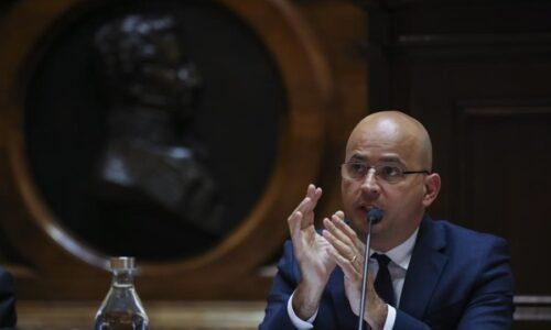 """""""Empresas e famílias correm risco de ficar marcadas"""" se Portugal se isolar da Europa nas moratórias"""
